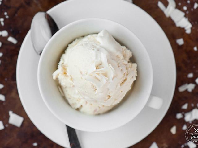 Lạnh tê lưỡi kem dâu đá bào