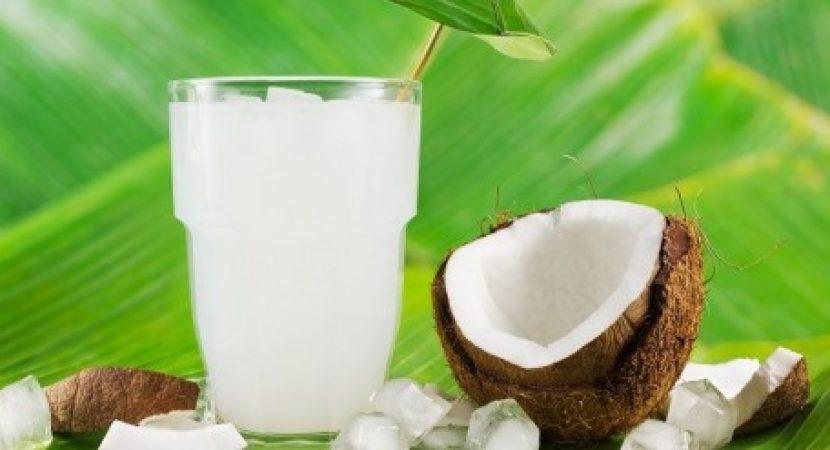Đẹp da với 5 công thức đồ uống thần thánh từ nước dừa