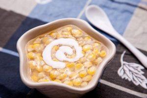 Cách làm chè bắp đậu xanh nước cốt dừa ngọt mát chào hè