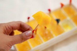 Cách làm kem dứa bằng khay đựng đá đơn giản mà ngon tuyệt