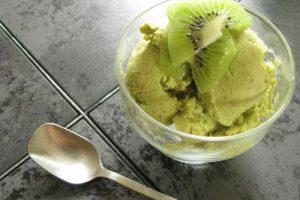 Lạ miệng với cách làm kem kiwi mát lạnh giải nhiệt