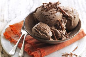 Cách làm kem socola không cần máy