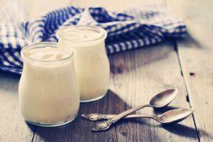 Mách bạn cách làm sữa chua bằng nồi cơm điện siêu dễ