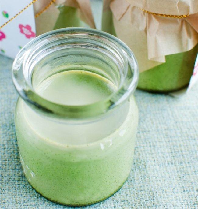 Giải nhiệt cơn nóng hè với cách làm sữa chua trà xanh thanh mát