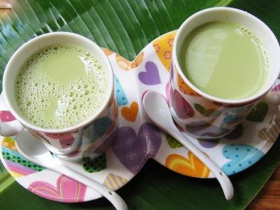 Thêm cách làm sữa đậu nành lá dứa uống một lần là mê