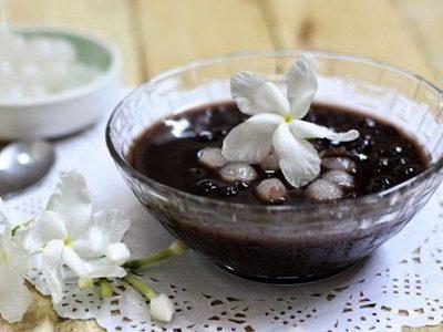 Học cách nấu chè đậu đen nhanh nhừ siêu bùi, siêu ngon