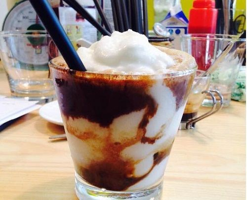 Ngất ngây với cách pha cà phê cốt dừa siêu ngon không thể chối từ