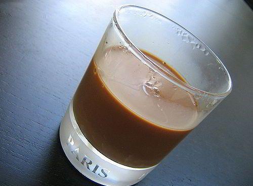 Sảng khoái với cách pha cà phê sữa đá chào ngày mới