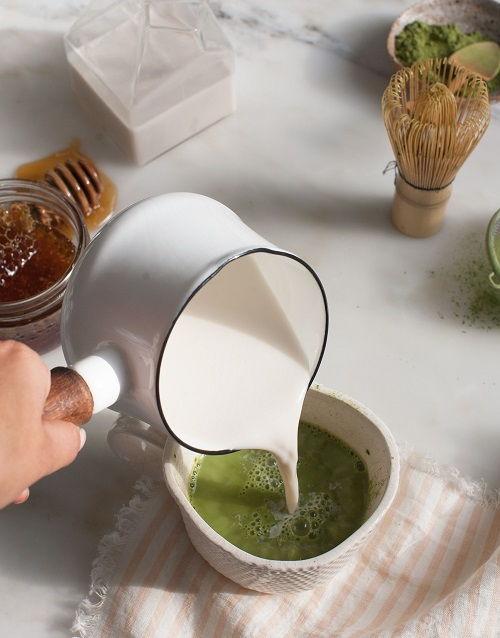 Cách pha latte ngọt ngào ấm nóng đêm Giáng sinh