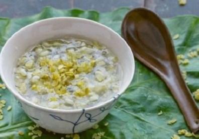 Chè cốm hạt sen với bột sắn ngon mát cho hè
