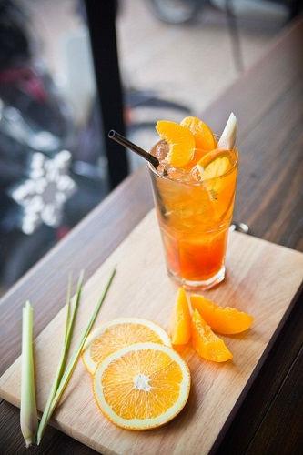 Công thức trà đào cam sả mát lạnh cho ngày hè nóng nực