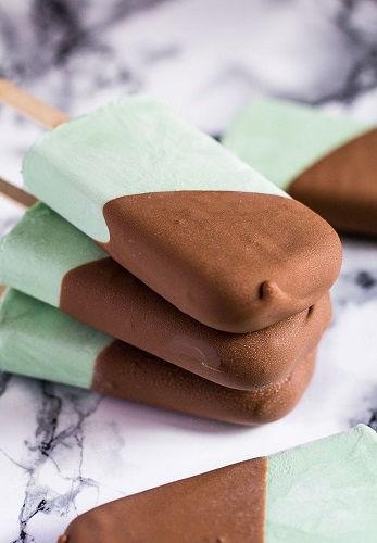 Mát lạnh sảng khoái với cách làm kem bạc hà socola siêu dễ